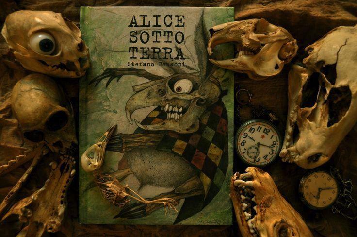 Alice underground Alice sotto terra Alicia bajo tierra