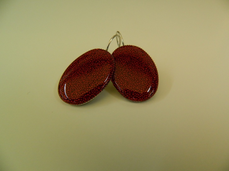 Big oval resin earrings with tiny red pearls