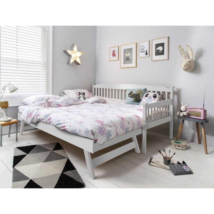 Day Bed with Pull out Trundle