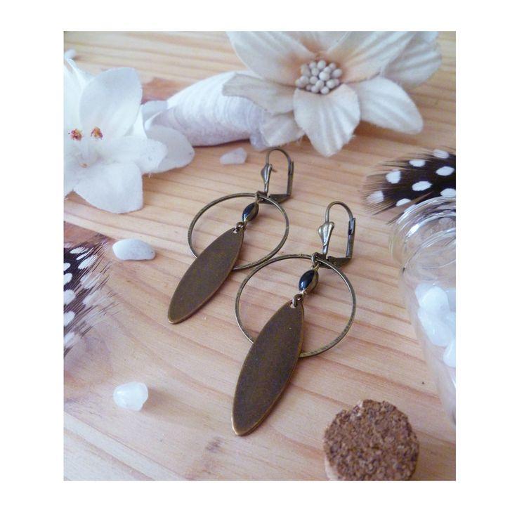 ▲ NOUNA ▲ Boucles d'oreille, émail noir, anneau & losange bronze sequin ! : Boucles d'oreille par elora