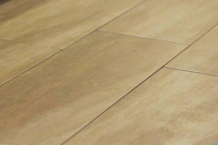 Piastrelle in gres porcellanato di prima scelta Effetto legno Formato 15x60 cm Adatto a tutti gli ambienti ed abitazioni  Oggi ad € 8,50/mq anzichè € 23,00/mq!*  Non perdere l'occasione, quantità limitata!   Questo tipo di piastrella garantisce la qualità del rivestimento donando l'effetto legno, oggi uno dei favoriti per ambienti pubblici e privati   Contattaci per maggiori informazioni: Tel 0733 814228 E-mail commerciale@stylbagno.com  *Trasporto ed iva esclusi