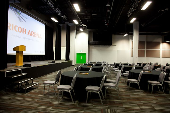 Hall 5 - Cabaret style - A multifunctional 650 seated auditorium with the most up-to-date sound and projection system.