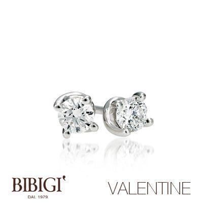 Orecchini oro bianco e diamanti #Valentine #Bibigi , #Bibigì .  Un must per chi non sa rinunciare al classico solitario, anello o parure, una collezione classica dalla montatura delicata ma curata nei più piccoli particolari.