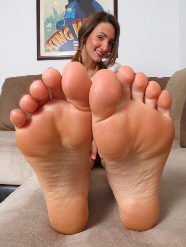Naked asian girl on high heels