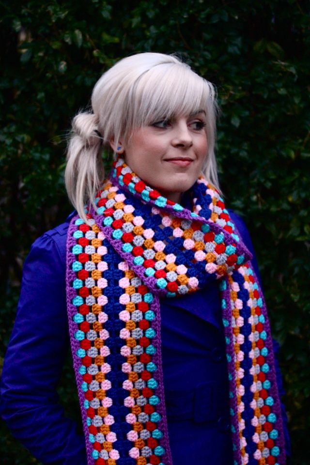 From Sarah London. Arctic Scarf. 7 brilliant colors that will brighten the gloomiest winter day. Free pattern.