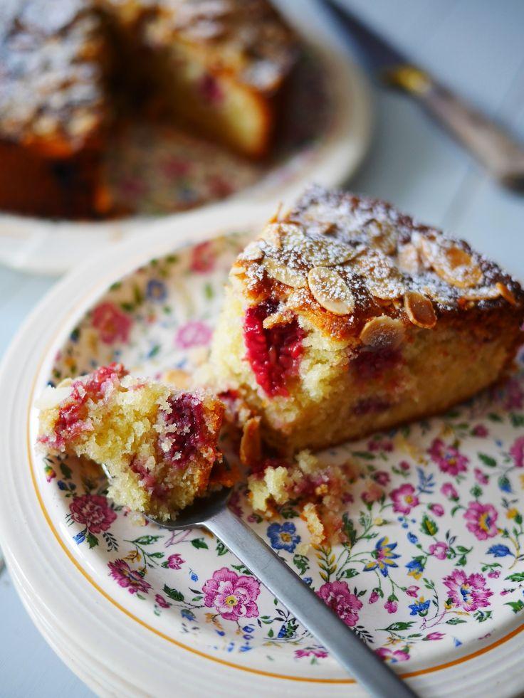 Bakewell torta vagy sütemény málna és mandula