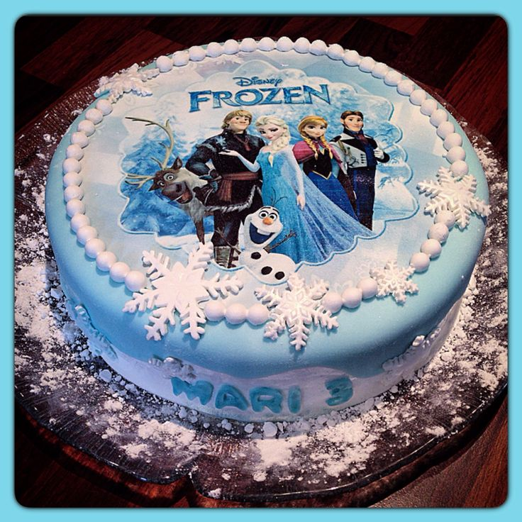 Frozen cake❄️ Me and my sister @bakkerita  made this for her daughter's 3rd birthday❄️