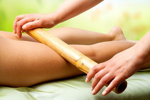 Drogie Panie, jesteście już przygotowane na lato? ;)  Aby ciało pięknie się prezentowało podczas wakacji zapraszamy na masaż bambusami który efektywnie wpływa na modelowanie sylwetki, uelastycznia skórę i redukuje cellulit! :) #massage #bamboo #spa