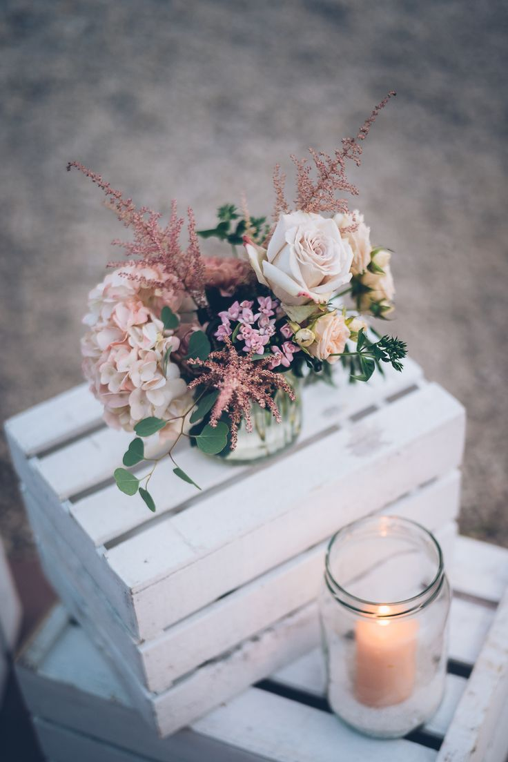 Real wedding in Provence - Blush and soft  pink detail - Weddind designer / scénographie: Cigales et Petits Fours