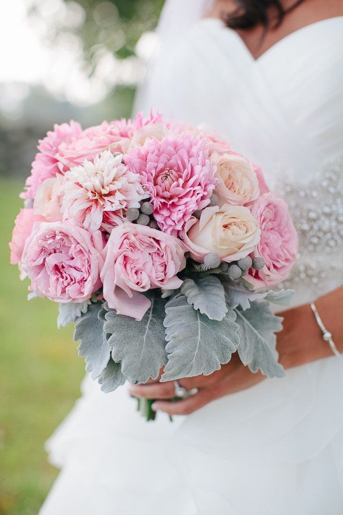 Photography: Rebecca Arthurs Photography - rebeccaarthurs.com Floral Design: Flowerthyme - flowerthyme.com