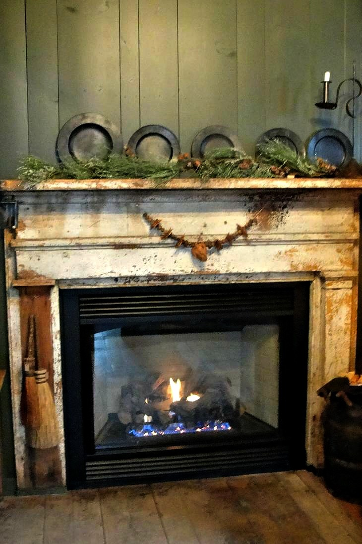 Country christmas mantel decor - Could Use A Mantle Around Wood Stove Like An Old Time Cook Fire Place