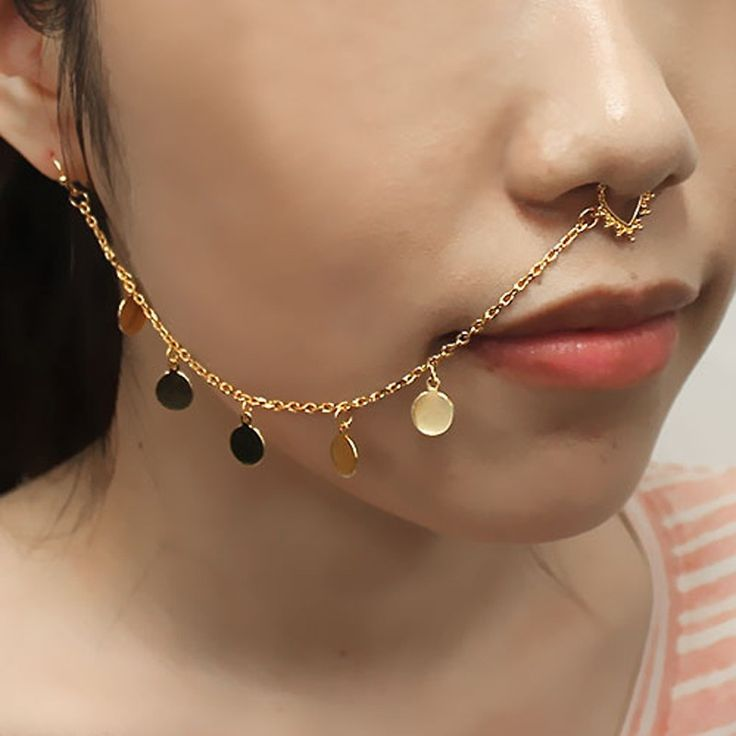 Gold_Septum_Pierced_Nose_To_Ear_Strand_Charm_Chain_PE1074