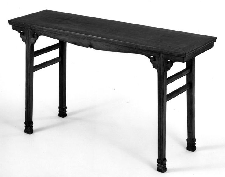 Painting Table, Qing dynasty (1644–1911), late 17th-early 18th century.  Huanghuali wood.  Art Institute of Chicago.