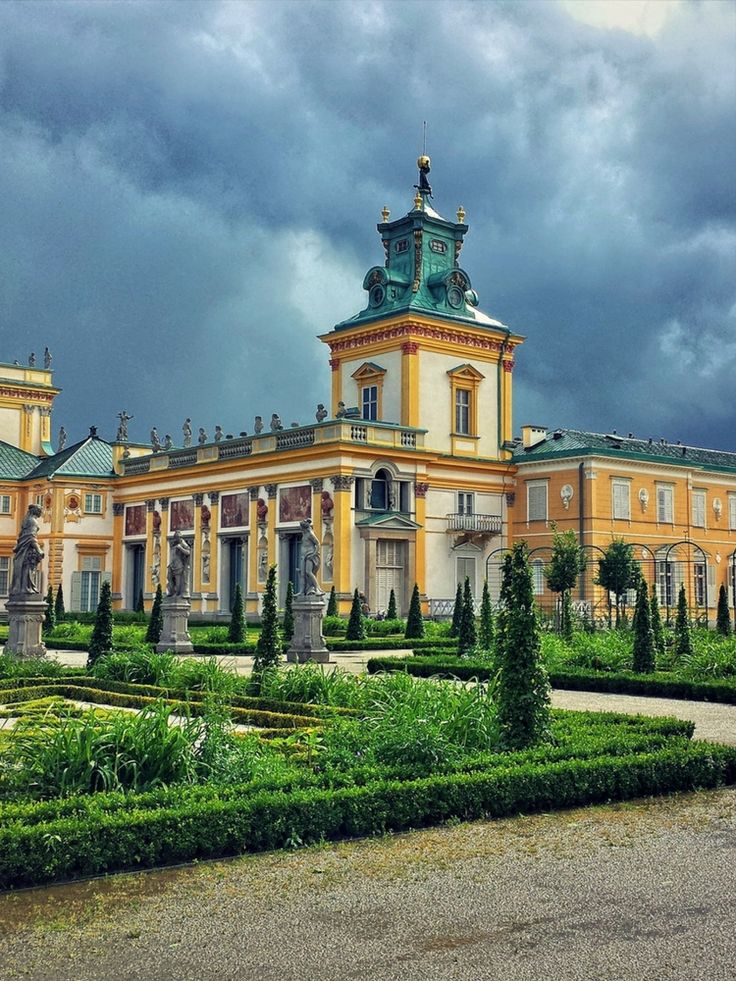 The best attractions in Warsaw - The Palace and park in Wilanów