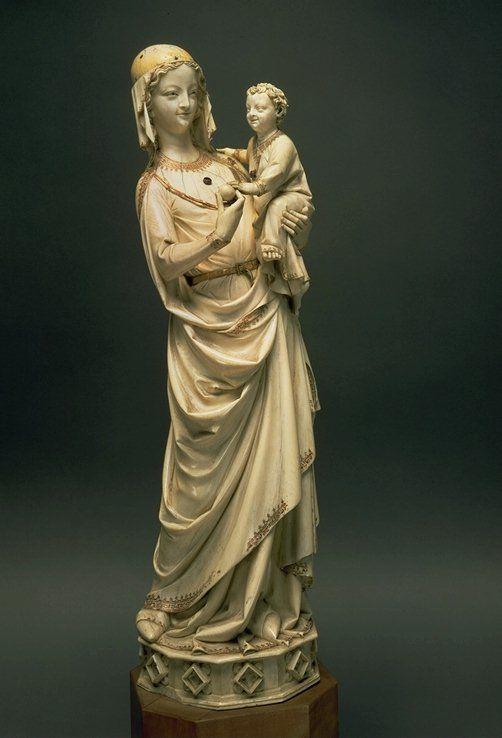 Virgin And Child Ivory. Paris - Louvre.