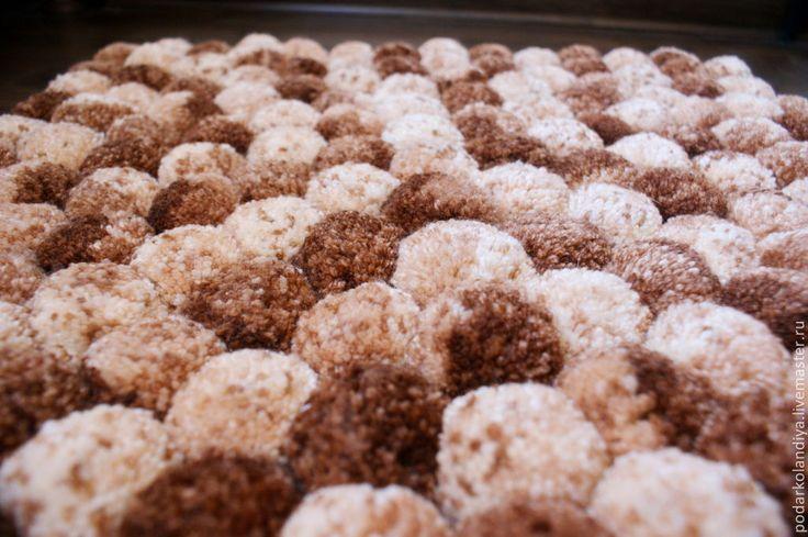 Купить Коврик из помпонов - коричневый, коврик, помпоны, шарики, интерьер, ковер ручной работы