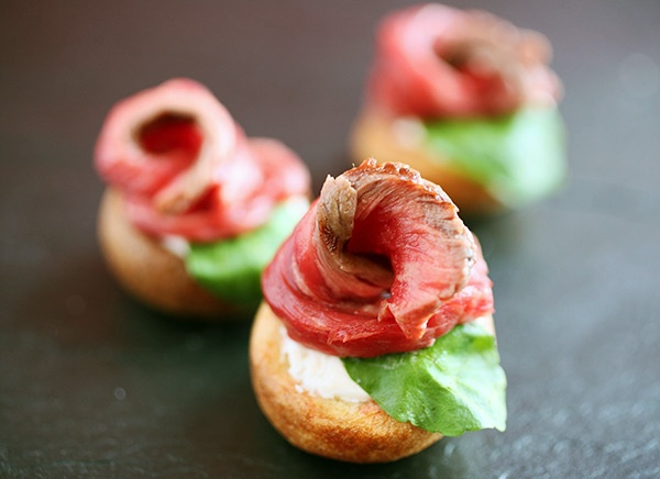 Best 20 mini yorkshire puddings ideas on pinterest for Beef horseradish canape