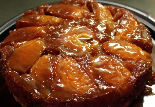 Caramel Apple Cake..This one is a must!!: Yummy Desserts, Recipes Baking Cooking, Caramel Apple Cakes, Caramel Apples Cakes, Feet, Carmel Apples, Caramel Cakes, Apple Caramel, Apples Caramel