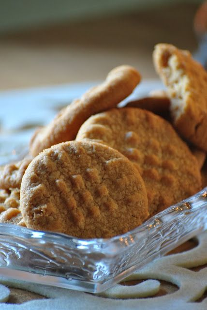 Sorelle in pentola: Cookies al burro di arachidi: idea regalo?