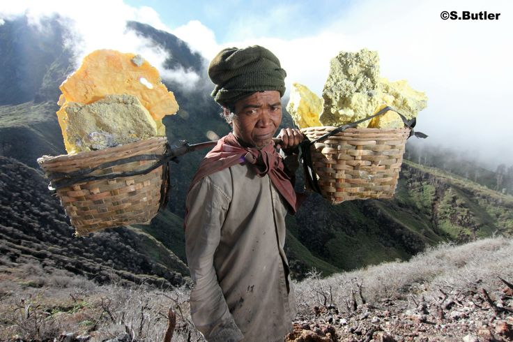 Ijen Sulphur miners Java Photo S.Butler7