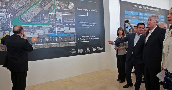 Urge GAP terrenos para segunda pista del aeropuerto de Guadalajara - El Economista