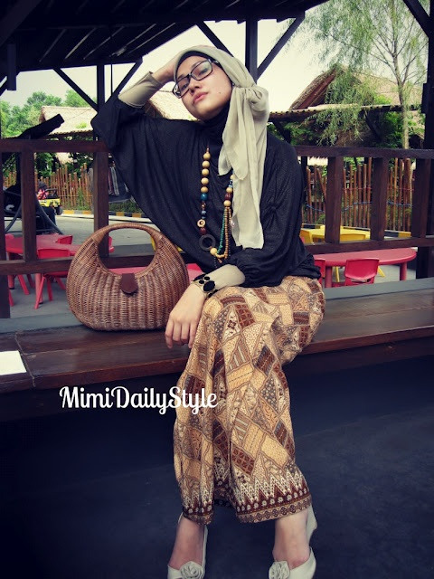 Black in The Afternoon #SimplyMii #MuslimFashion #Muslim #Fashion #Designer