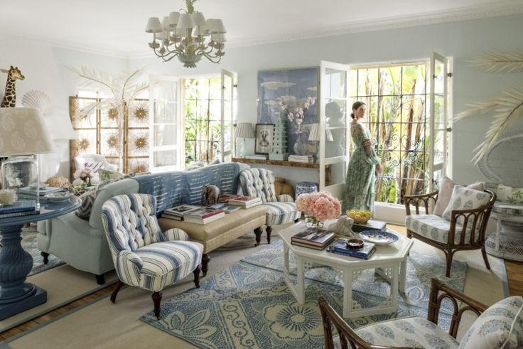 Paradise found mark d sikes chic people glamorous for Mark d sikes living room