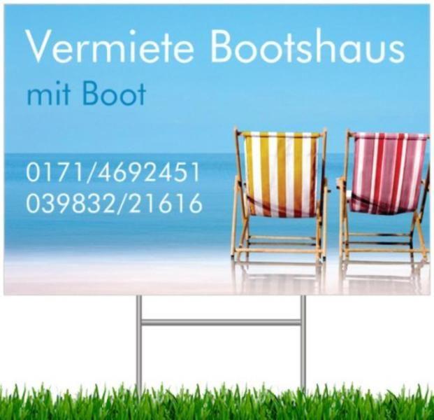 Vermiete Ferienhaus in Wesenberg Meck./Pom. auf dem Wasser mit Boot. Schöne ruhige Lage zum Entspannen, Baden, Wassersport, Angeln, Grillen uvm. 45 qm, 3 2 Betten, 1 Wohnraum, 1 Schlafraum, Küche, DU/WC, Terrasse mit Grillplatz. Termine vereinbaren unter Tel. 0171/4692451 o. 039832/21616.