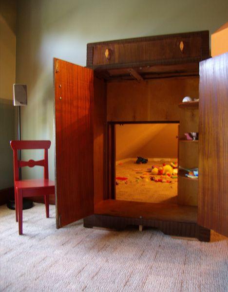 Hidden playrooms - through the wardrobe.