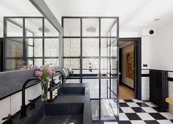 Verri re une cloison pleine de charme pour la salle de for Paroi vitree industrielle