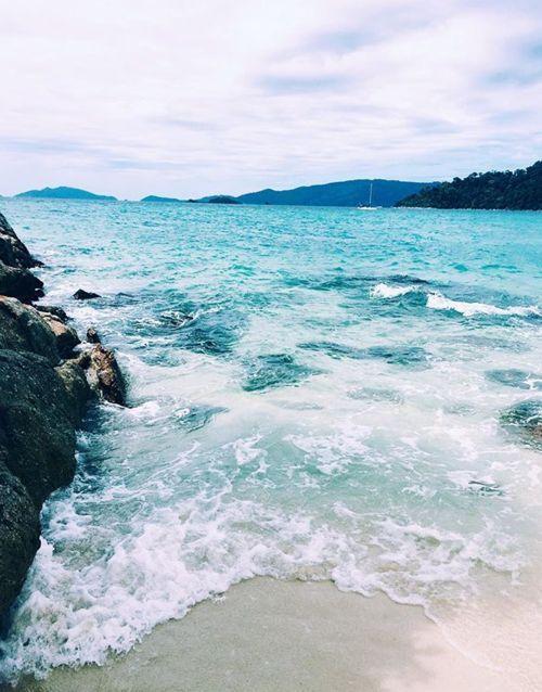 Beautiful Beach. Amazing blue ocean water