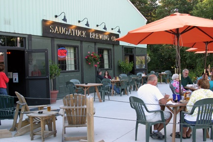 Saugatuck Brewing Co. outdoor patio and front of building.
