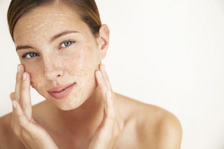 como hacerse una limpieza facial profesional en casa 4