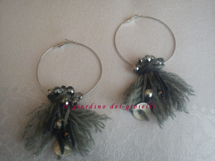 circle earrings, wool, crystals anche metal charms