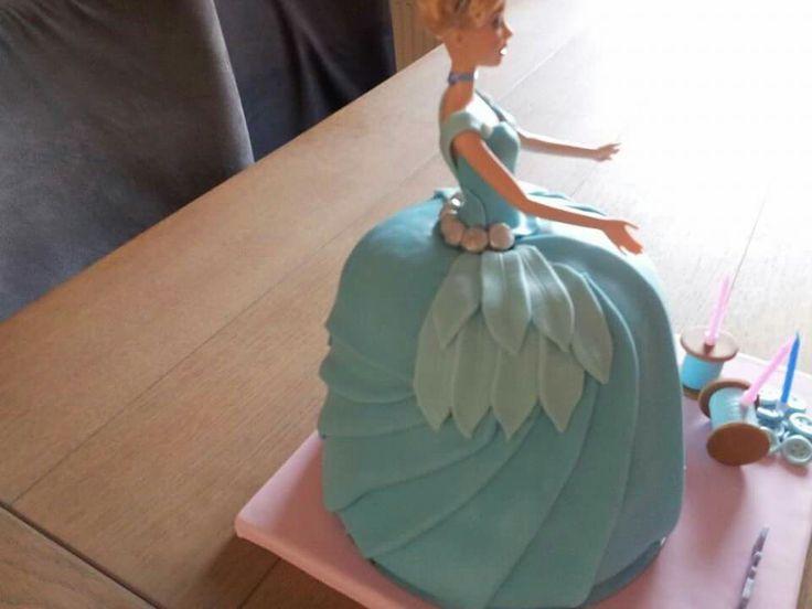 Assepoester barbie taart Cinderella cake