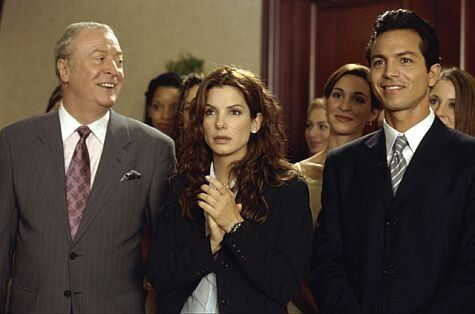 Benjamin Bratt (as Eric Matthews), Michael Caine (as Victor Melling) and Sandra Bullock (as Gracie Hart) in Miss Congeniality (2000) #misscongeniality #2000 #2000movies #sandrabullock #benjaminbratt #michaelcaine