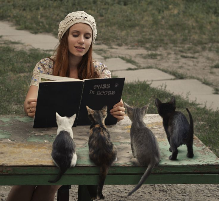 I am afraid to read in front of people, so I practice with my cats...hhaahh: