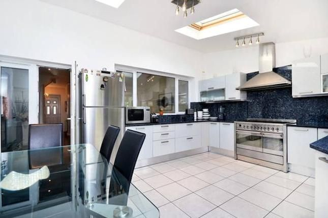 4 bedroom property for sale in Old Manor Drive, Isleworth TW7 - 30611294