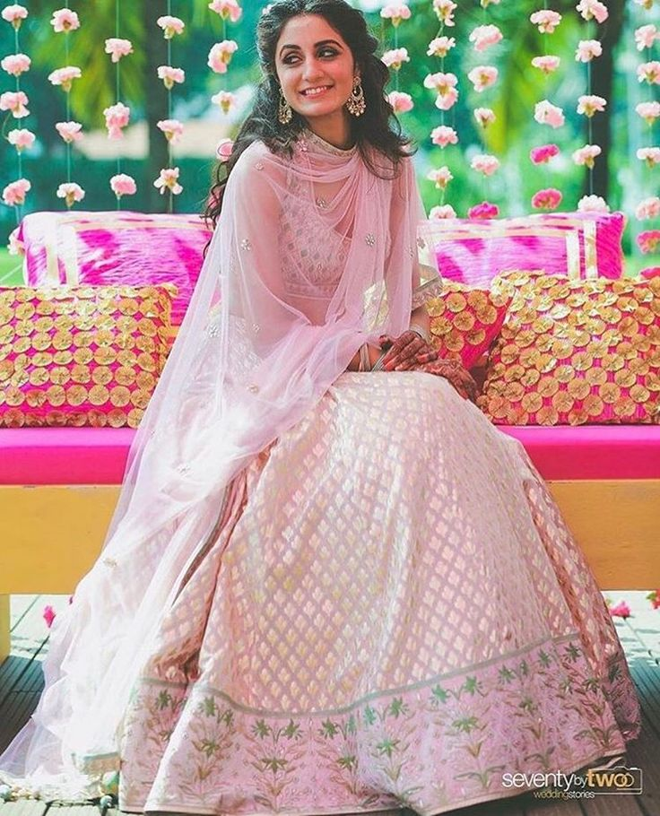 Pastel looks as stunning as yellow on mehendi. #mehendioutfit #bridalwaer #outfitinspiration #indainbride #indianwedding #shaadisaga