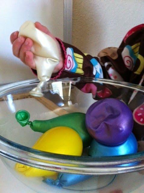 Globos sensoriales llena cada globo con un material distinto para favorecer el…
