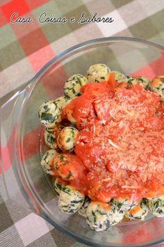 Nhoque de ricota e espinafre / Ricotta and spinach gnocchi