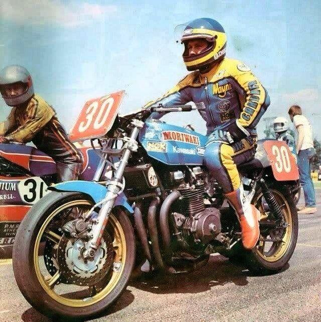 Wayne Gardner on his Kawa  #waynegardner #motorcycleracing #kawasaki #kawasakimotorcycle #kawasakimotors #americanmotorcycleracer