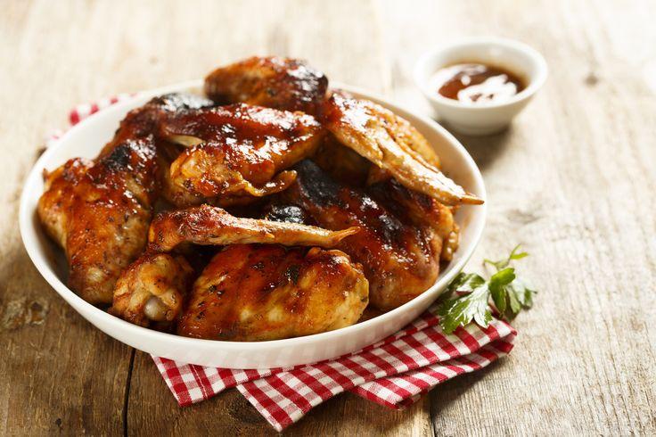 Fűszeres, omlós, grillezett csirkeszárny házi BBQ-szósszal - Mindenki megnyalja mind a 10 ujját