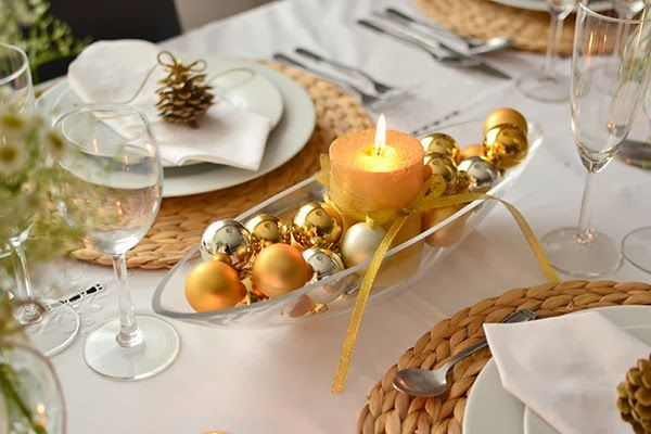 Simple Elegant Christmas Holiday Table Decor ♥ glass bowl filled with gold and silver tree ornaments ♥