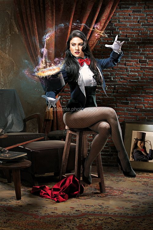 Zatanna, A Magic Trick by *jaytablante on deviantART: Zatanna Cosplay, Best Cosplay, Bianca King, Magic Tricks, Comic Books, Jay Tablant, Dc Comic, Jaytablant, Photo