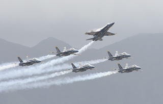 Blue Angels in Hawaii. Missing Man Formation!