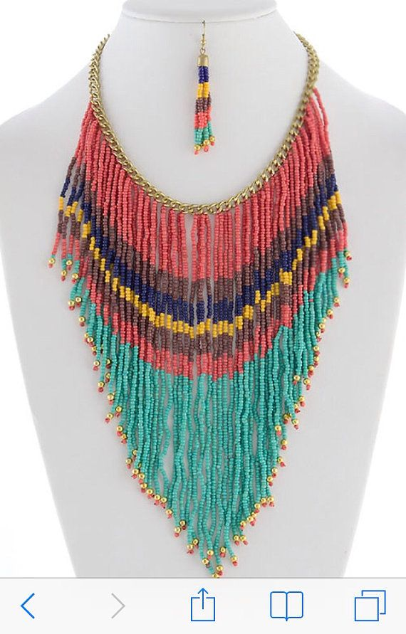BEAUTIFUL COLORBLOCK BEADED FRINGE NECKLACE EARRINGS SET Length approx. 18 with 3.75 extender Lobster claw clasp Center drop approx. 6.5 900NS42119