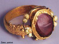 Šperk romanský Prsten s almandínem Žatec rok cca 1010