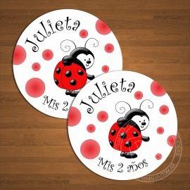 Stickers circulares Vaquita de San Antonio lunares rojos