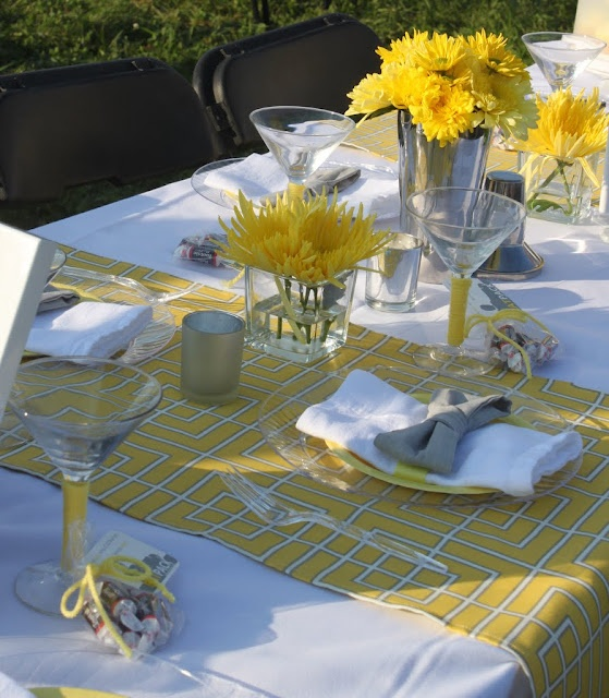 Mirabelle Creations: {Tablescapes} -- Rat Pack / Mad Men themed table